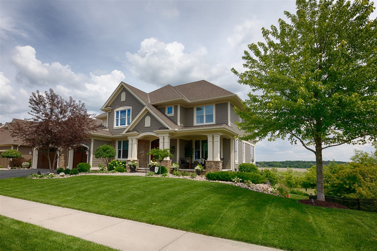 beautiful landscaping Akron | Prestige Home Inspections
